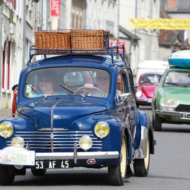 La fête de la Nationale 7 de passage à Pouilly-sur-Loire